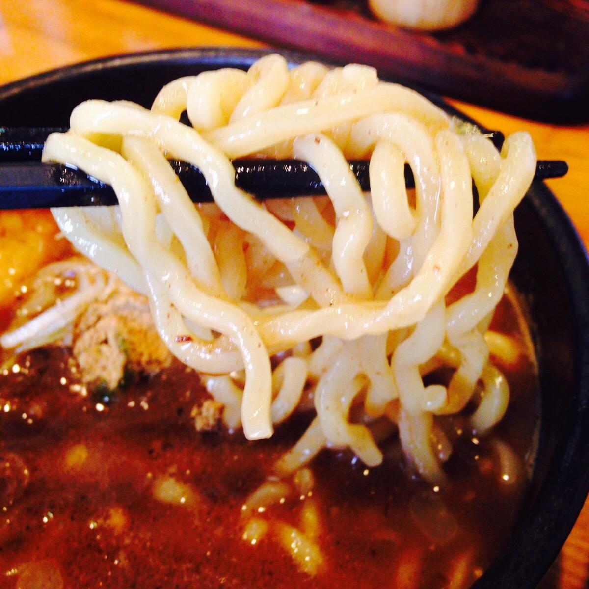 一度食べるとやみつきになっちゃう!山葵をつけて食べる魚介系ダシのつけ麺『武士道』(千葉県柏市)